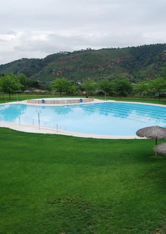 Dissabte s 39 obre la piscina d 39 estiu al centre integral d for Piscina martorell